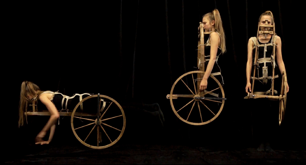 costume 10 - Spinning wheel
